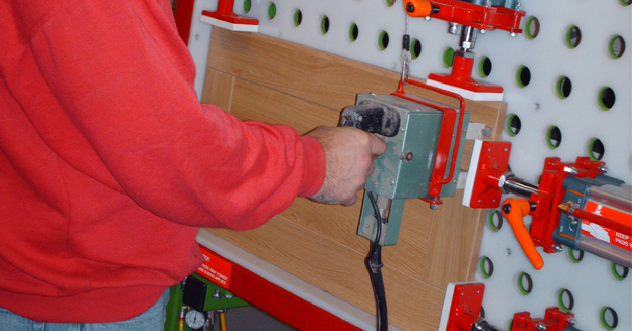 The Lamont clamping system in action