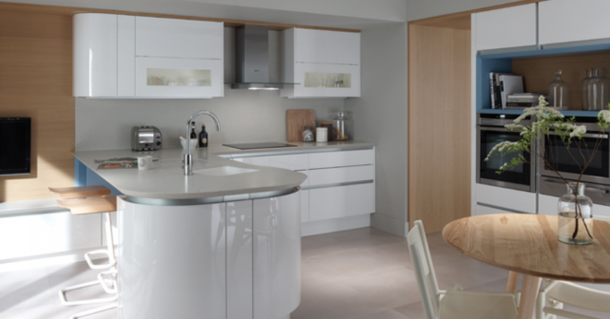 PWS has launched Tomba in response to the ongoing trend for handleless kitchen furniture. This sleek new door has a premium white gloss lacquered ... & Tomba PWSu0027 new handleless design | Furniture Production Magazine