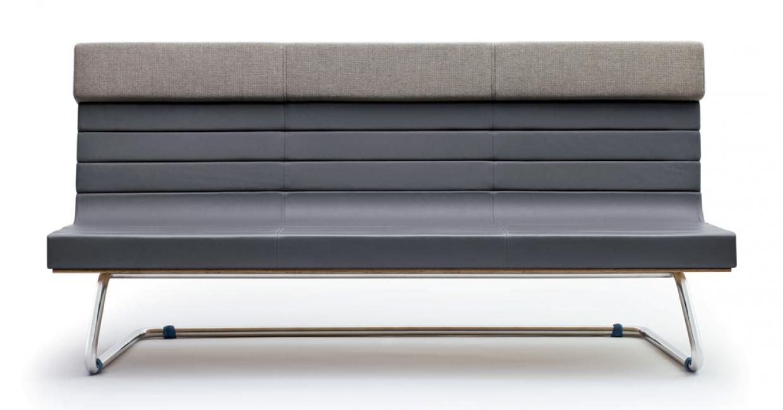 Supergrau's FS2100 three-seater sofa