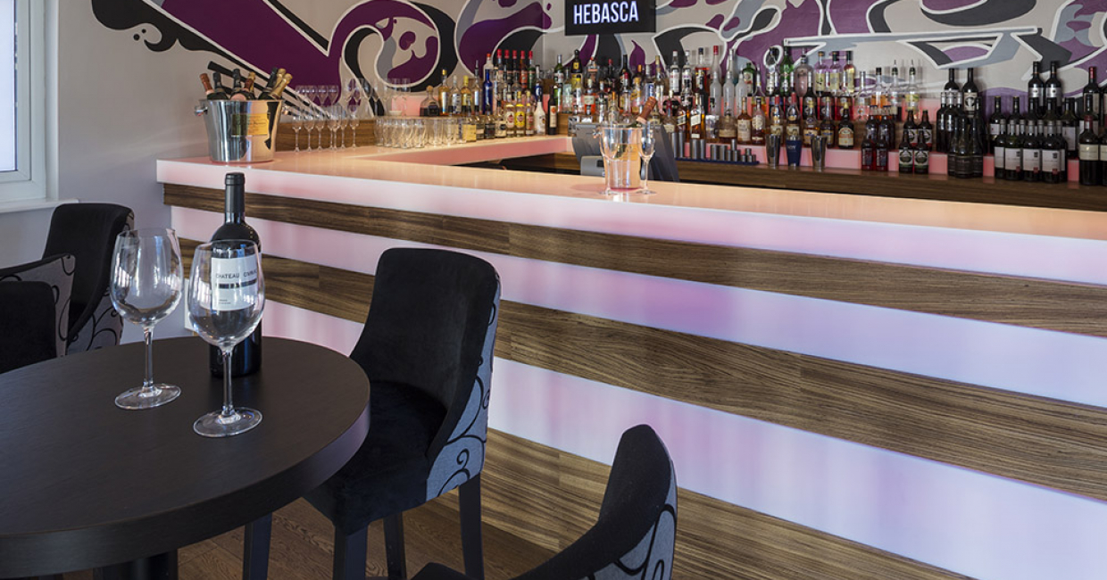 The striking cocktail bar at the newly-refurbished Hebasca Hotel in Bude features ultra-modern Hi-Macs solid surface