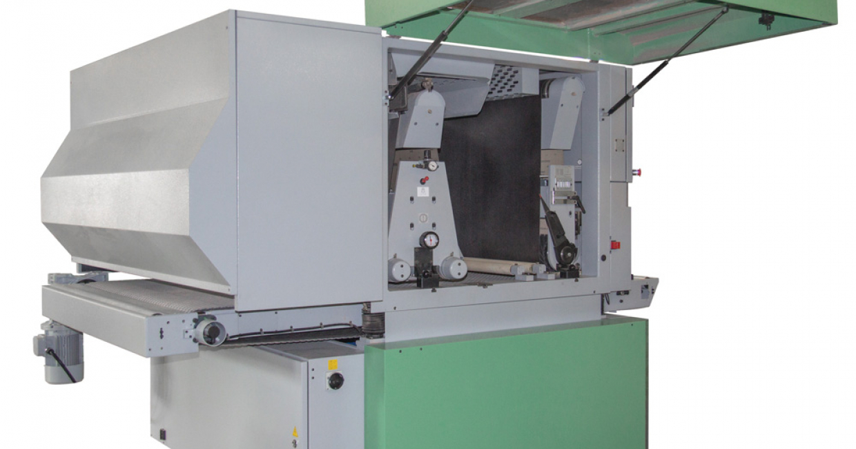 Kündig can now offer a hybrid machine with brush and wide-belt in combination or single sanding brush machines – in addition to its wide-belt range