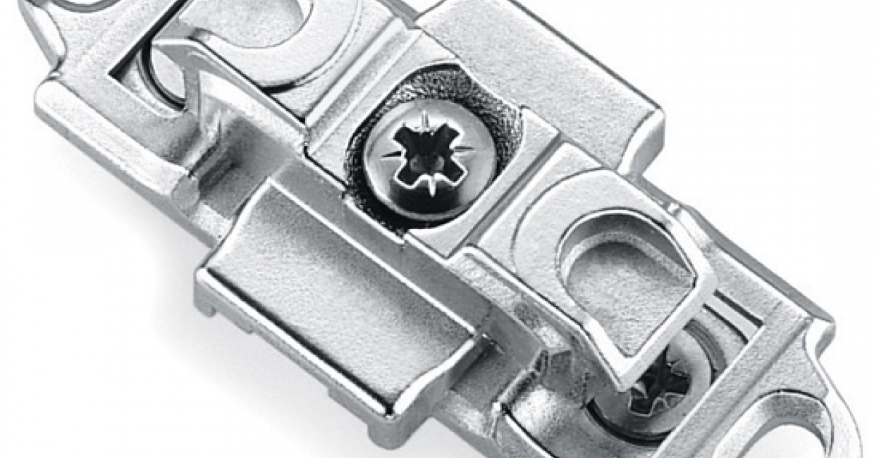 Inline mounting plate