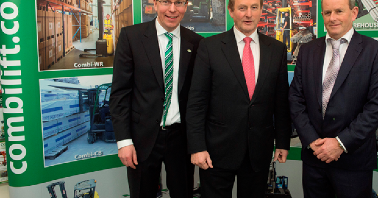 L to r: Combilift MD, Martin McVicar, An Taoiseach Enda Kenny and Robert Moffet