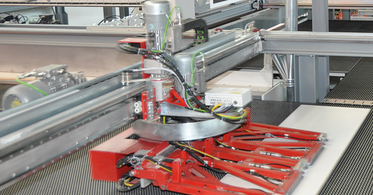 A marvel at Ligna – the Schelling ls 1 for industrial single run production