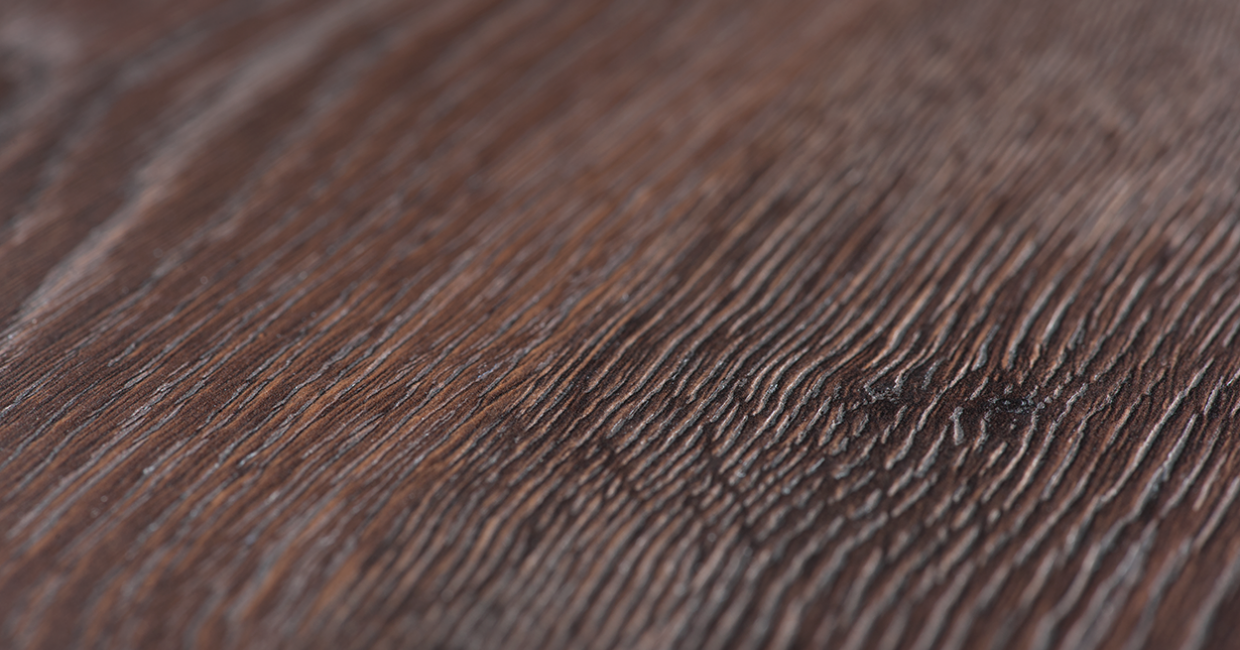 H3325 ST28 Tobacco Gladstone Oak is an existing synchronised pore decor which is now available as compact laminate