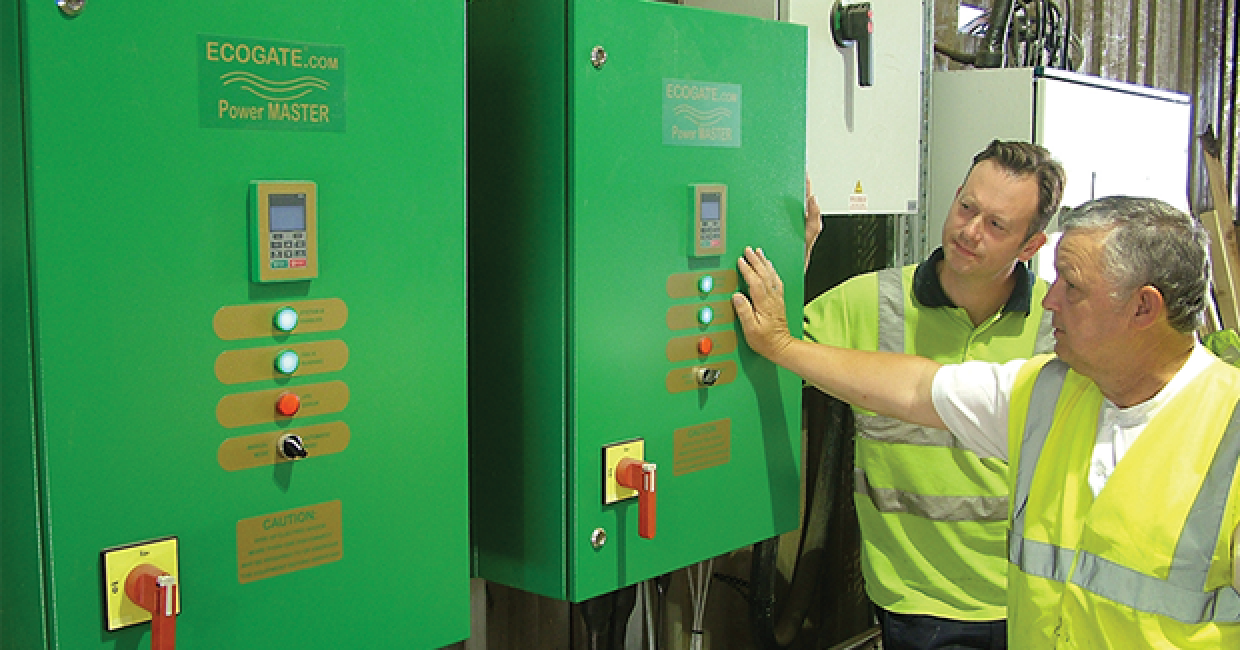 General manager, Pete Willmett, reviews energy-saving readings with mill manager, Neil Fletcher