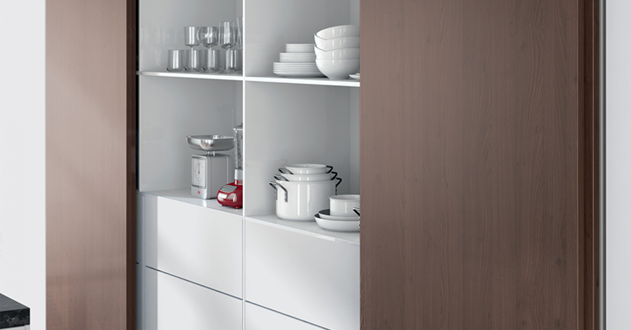 TopLine L makes light work of solid or aluminium-framed doors from 16-40mm thick and up to 50kg in weight