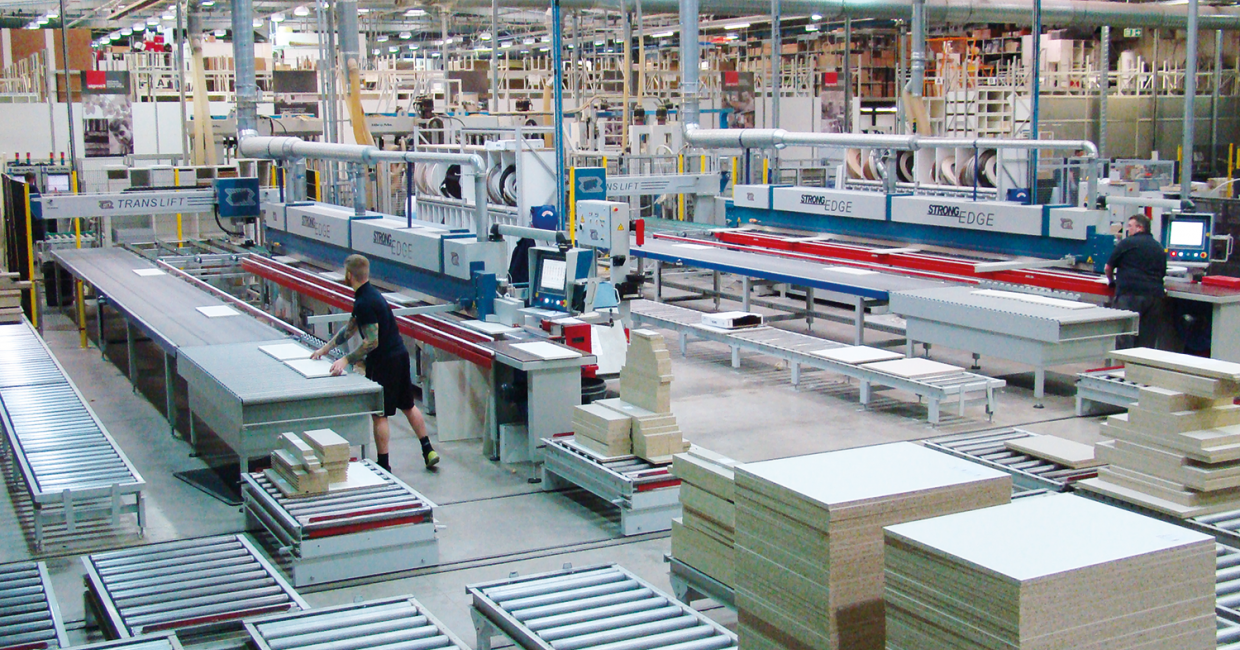Sigma3 opted for three Paul Ott single-sided edgebanders allied to TransLift panel handling