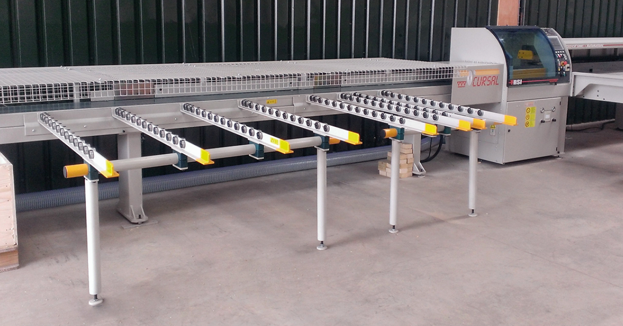 Cursal TRSI high speed push fed cross cut saw with automatic loading and outfeed sorting