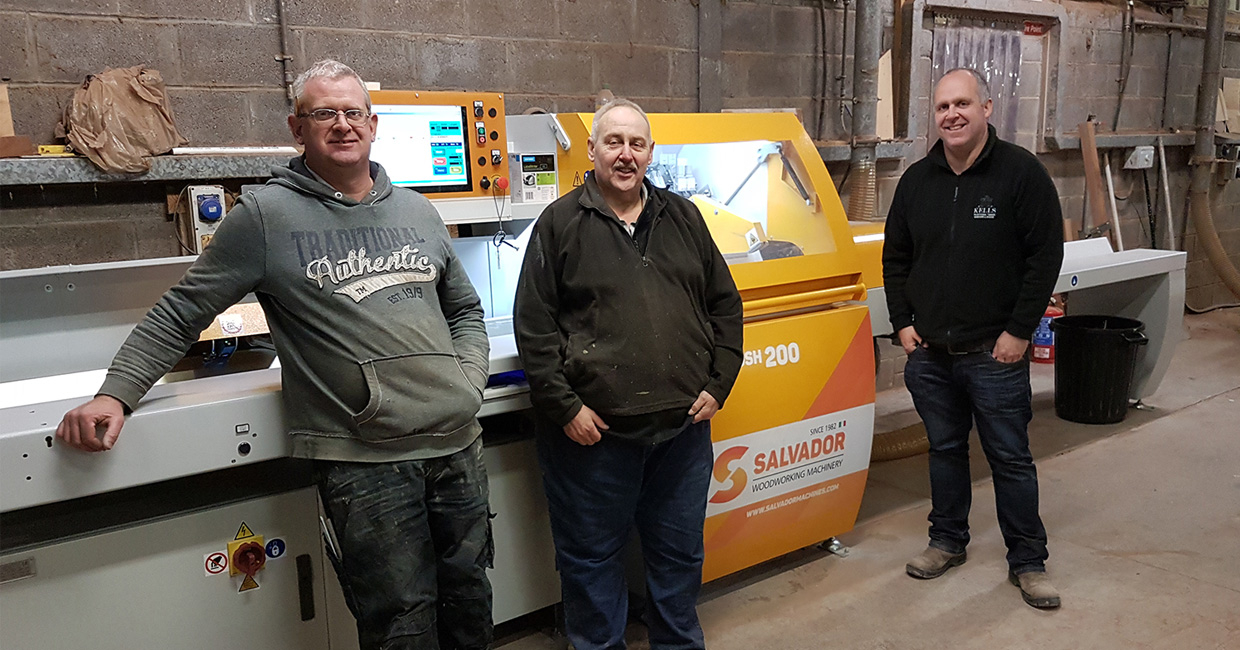 Damien Grimes (left), mill manager Joost and Declan Grimes (right) with the new Superpush 200