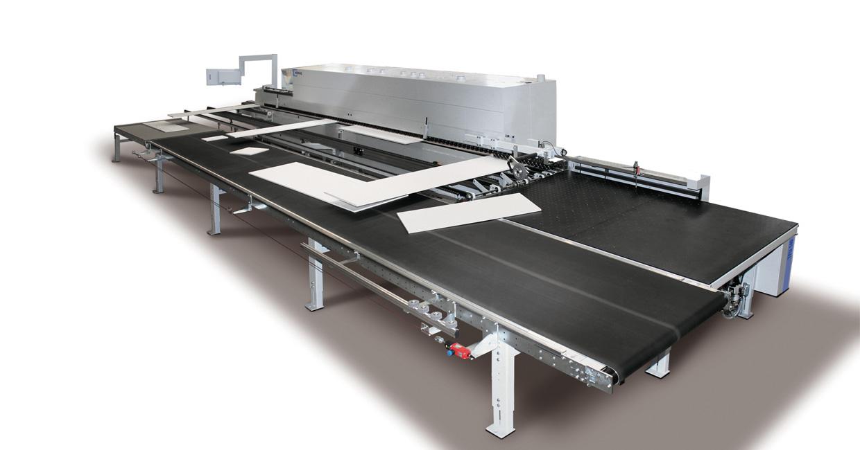 Boomerang return system on Mathews Kitchens Ltd edgebander