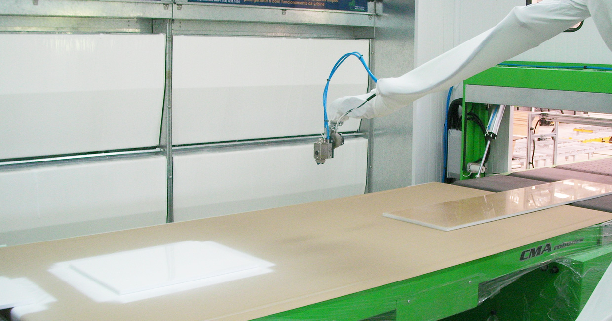 New CMA robotic spray cell for paint and glue installed at Crystal Doors