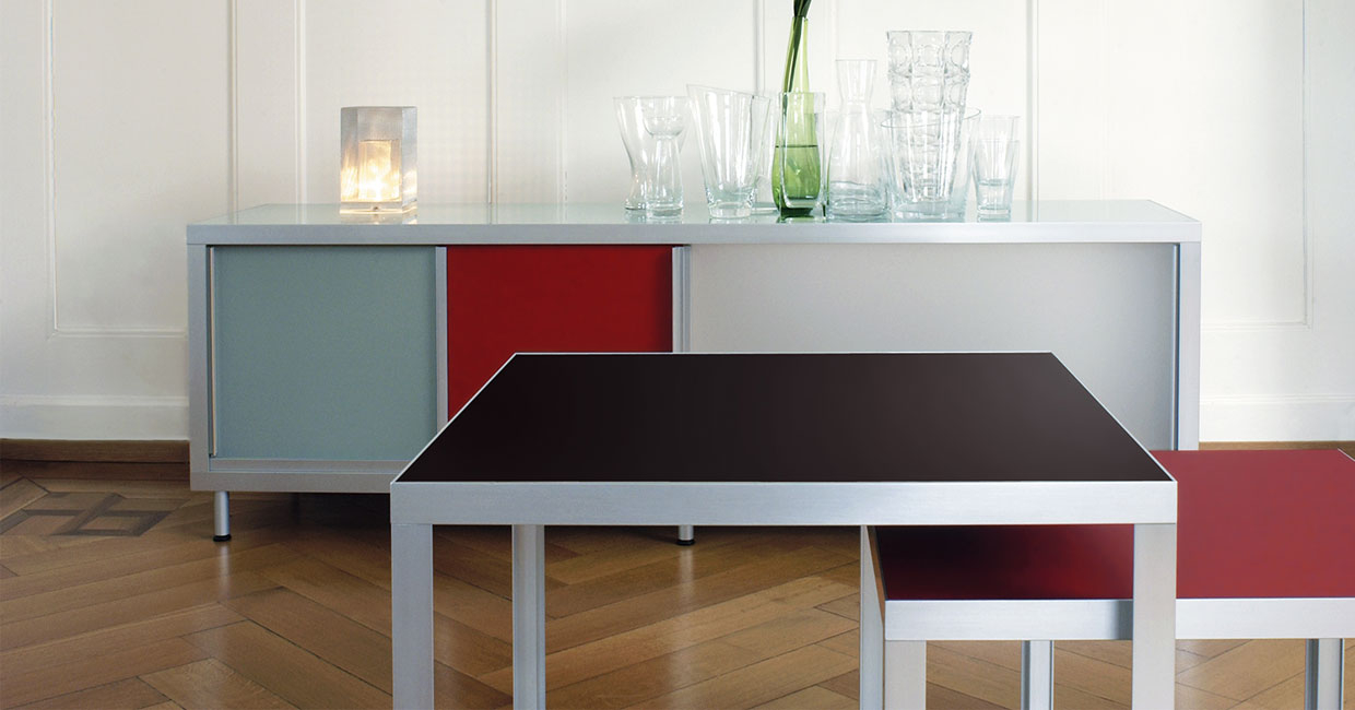The popular furniture linoleum from Forbo is available at Ostermann in 21 on-trend colours