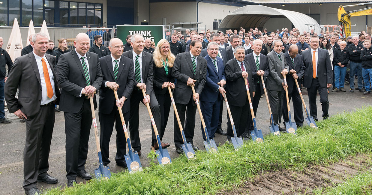 Positive growth in the Weinig Group: supervisory board, management board and Holz-Her executives at the groundbreaking ceremony for the forward-looking, multi-million Euro project