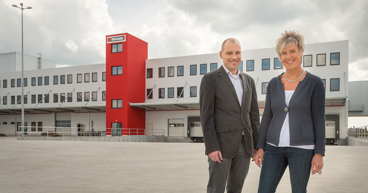 Dagmar Daxenberger, managing director, and Christof Wauters, management, material handling and logistics by the newly-completed logistics centre