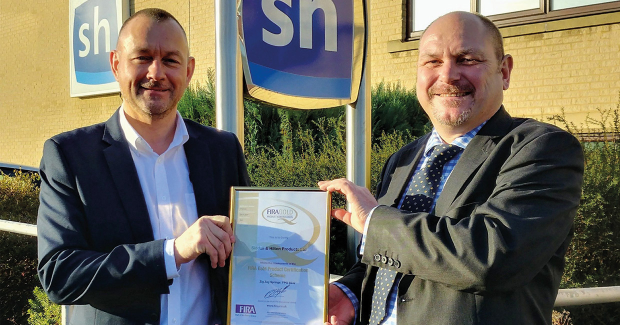 Neil Stewardson, MD at Siddall and Hilton Products with Phil Reynolds, right, GM at FIRA International