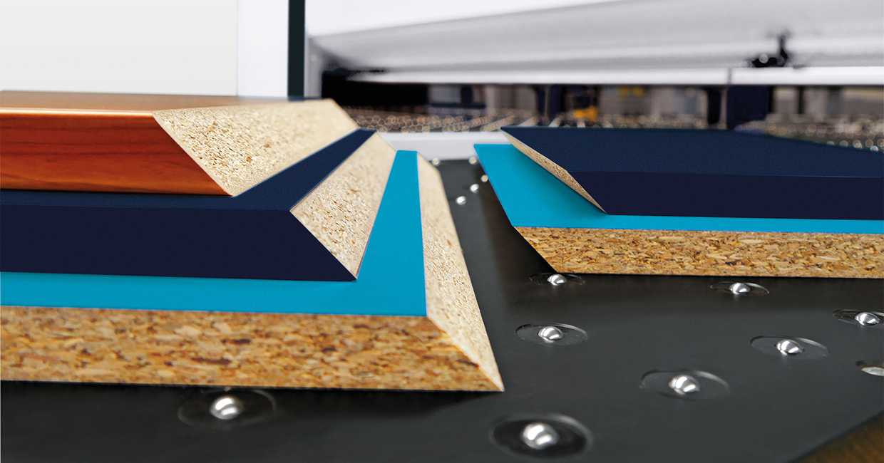 module 45 – tilting saw blade can be seamlessly adjusted to angles of 0-46°
