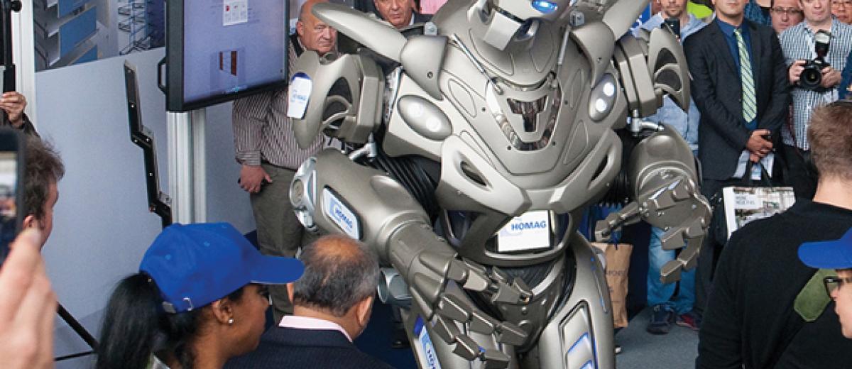 Homag rocks Ligna as Titan the Robot steels the show