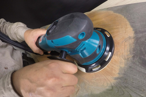 Makita's new random orbit sander has fine and coarse sanding modes
