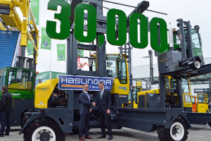 30,000th Combilift handed over at CeMAT