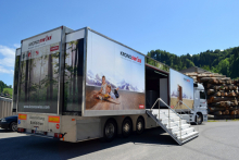 Kronoswiss Showbus comes to the UK