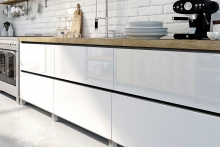 New from Ostermann – recessed handles in concrete, oak or walnut look