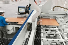 Integrated cell system for the production of customised furnishings