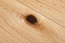 Impressive knot filling system efficiently restores damaged wood